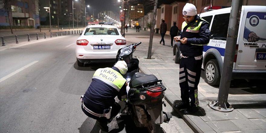 Plakasını Folyo İle Kapatan Sürücüye Ceza Yazıldı
