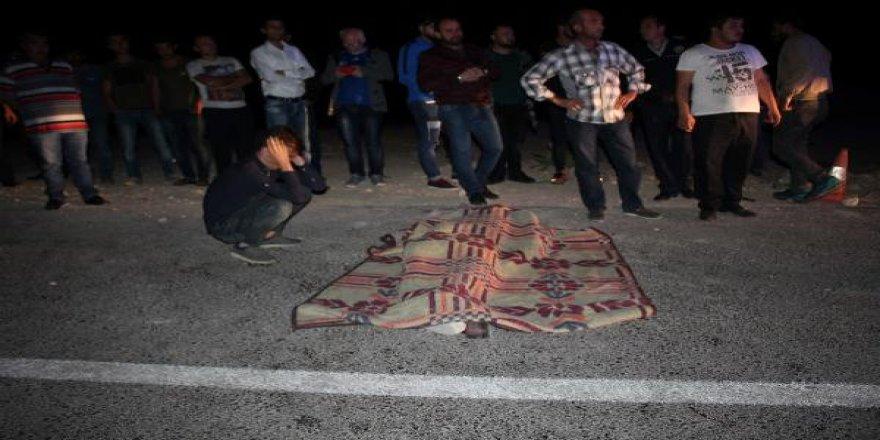 Karaman'da İki Otomobil Çarpıştı: 1 Ölü, 2 Yaralı
