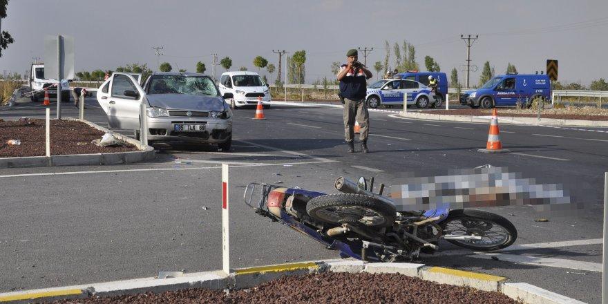 Konya'da Otomobil İle Motosiklet Çarpıştı: 1 Ölü, 4 Yaralı