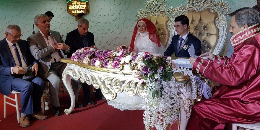 Tarım camiasını buluşturan düğün
