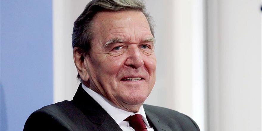 Schröder, Ab'nin Türkiye Ve Rusya İle İlişkilerini İyileştirilmesini İstedi