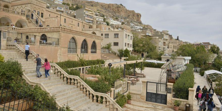 Mardin'de Yenilenen 'Kültür Sokağı' Açıldı