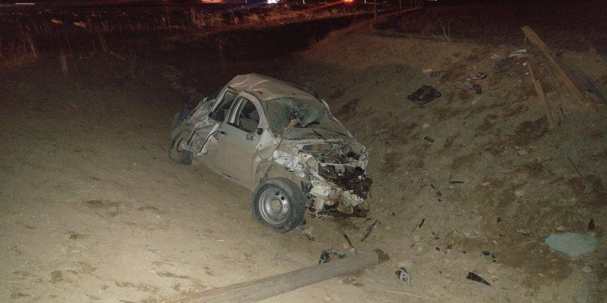 Köpeğe Çarpan Otomobil Şarampole Devrildi: 1 Ölü, 4 Yaralı