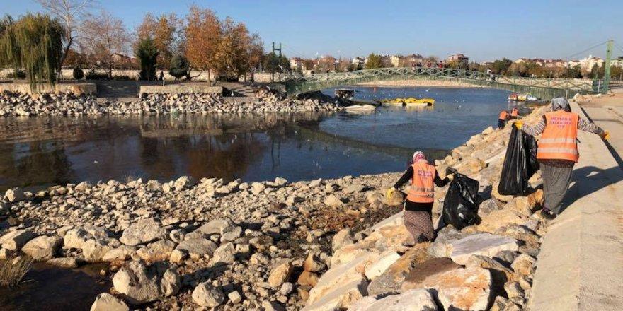 Beyşehir'de Sahil Şeridi Temizliği
