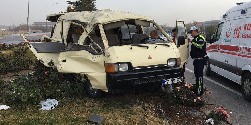 Suriyeli İşçileri Taşıyan Minibüs Devrildi: 7 Yaralı