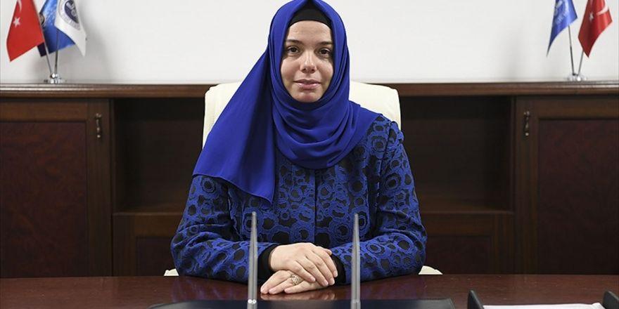 Diyanet'in İlk Kadın Başkan Yardımcısı Göreve Başladı