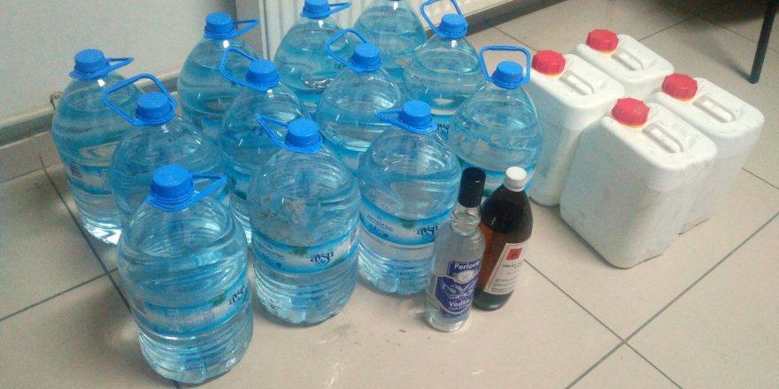 Akşehir'de kaçak içki satışı yapanlar yakalandı