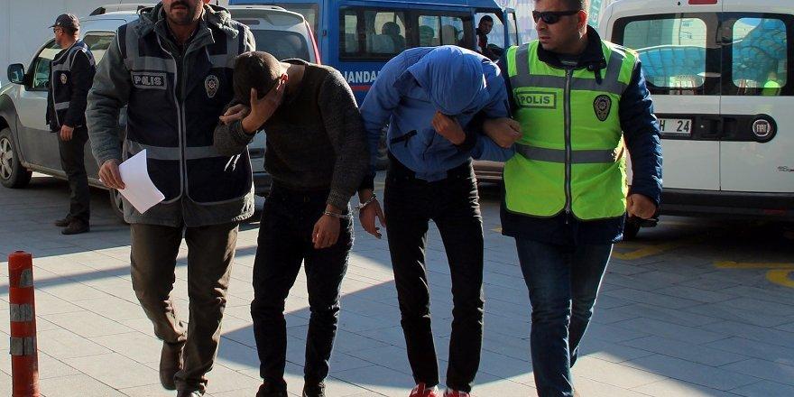 18 Okul Ve 4 İş Yerini Soyan Hırsızlık Şüphelileri Tutuklandı
