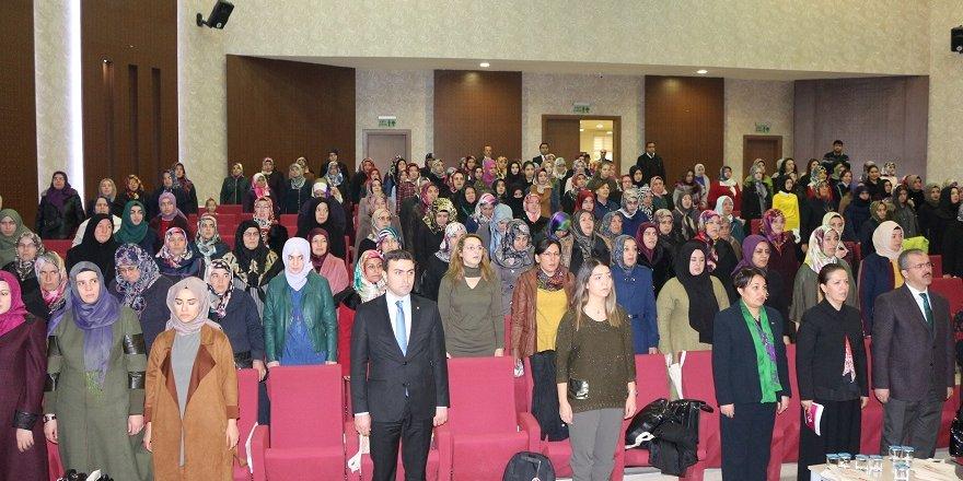 Ev hanımlarına finansal okuryazarlık semineri