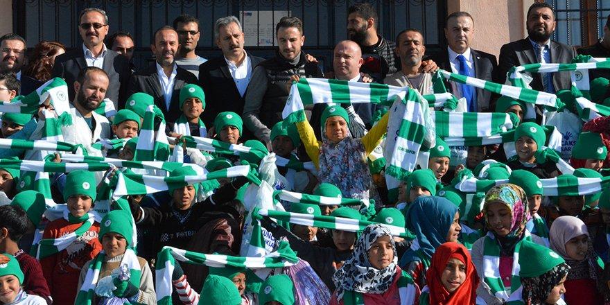 Konyaspor, 300 çocuğu sevindirdi