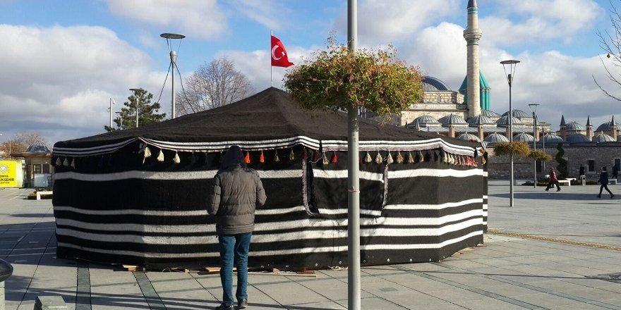 Mevlana Meydanı'na çadır kuruldu