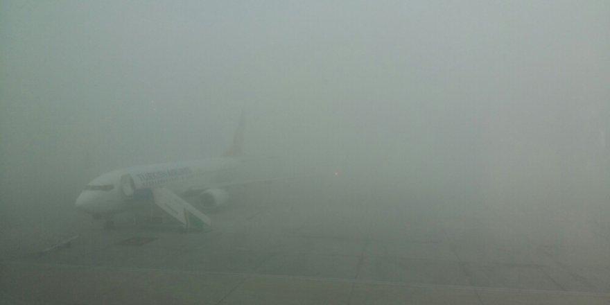 Konya'da uçuşlara sis engeli