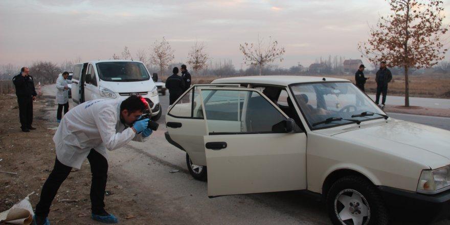 Otomobil İçinde Erkek Cesedi Bulundu