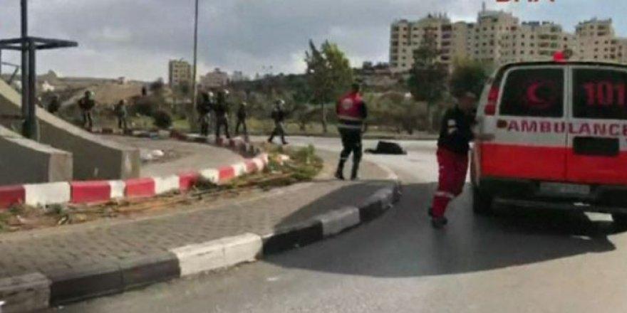 Canlı yayında Filistinli göstericiyi vurdular