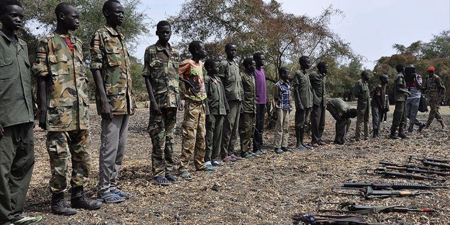 Unıcef: Güney Sudan'da 19 Bin Çocuk Silah Altına Alındı