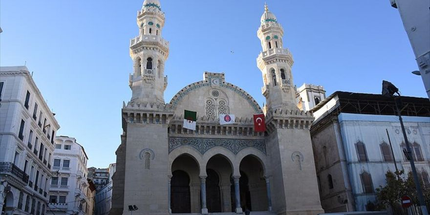 Türkiye Cezayir'in Bağımsızlık Sembolünü Restore Etti