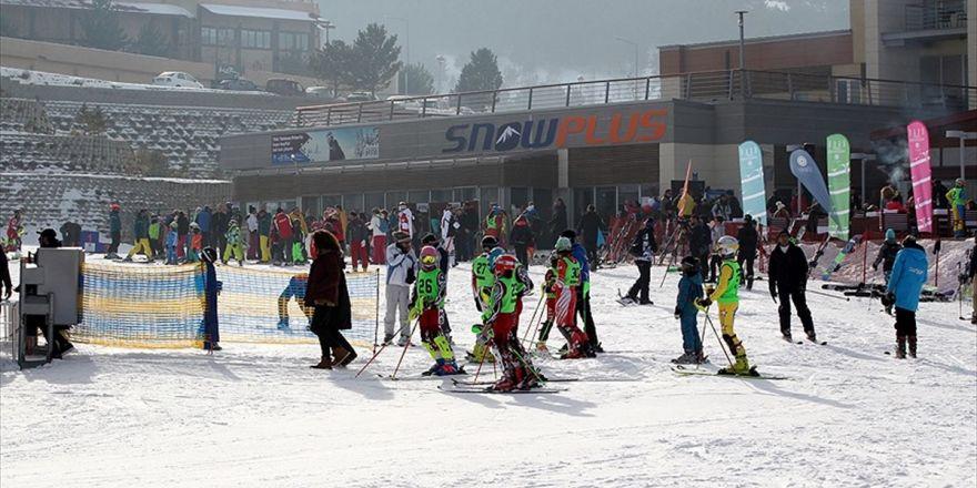 Palandöken'de Kayak Yoğunluğu