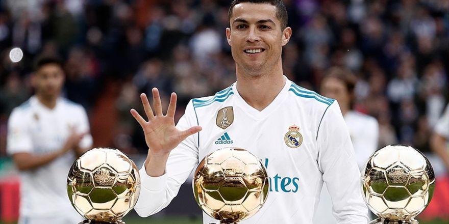 Ronaldo Futbolu Real Madrid'de Bırakmak İstiyor