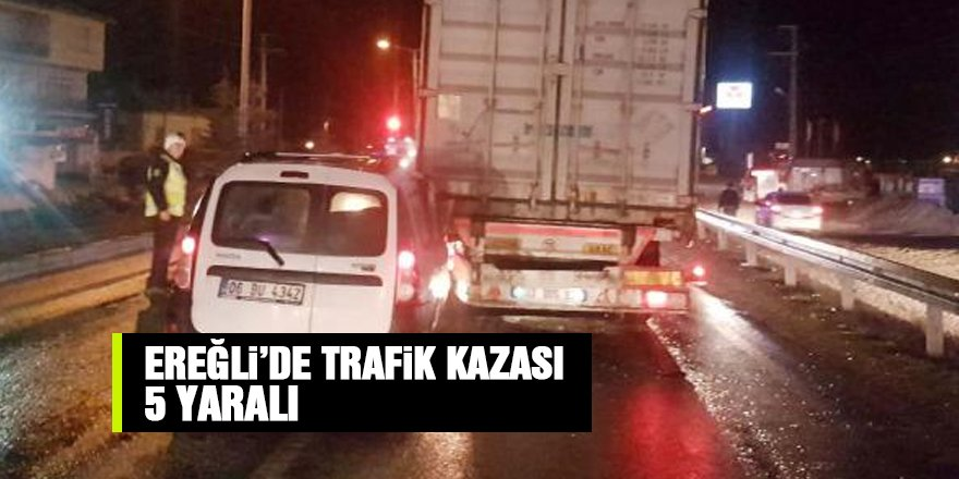 Konya'da hafif ticari araç TIR'a çarptı: 5 yaralı