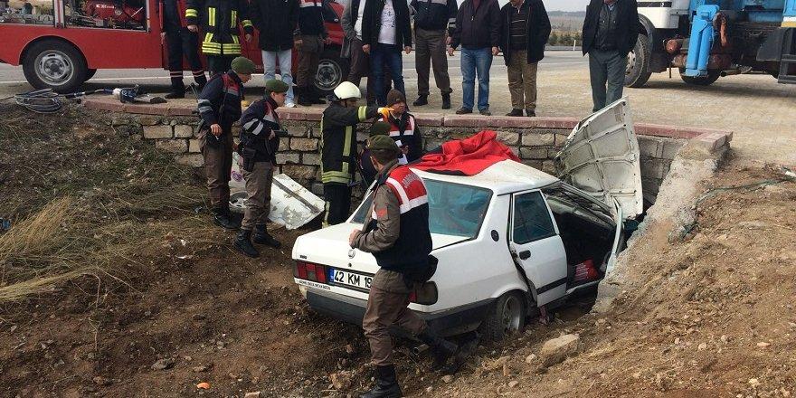 Konya'da Otomobil Menfeze Çarptı: 3 Ölü, 1 Yaralı