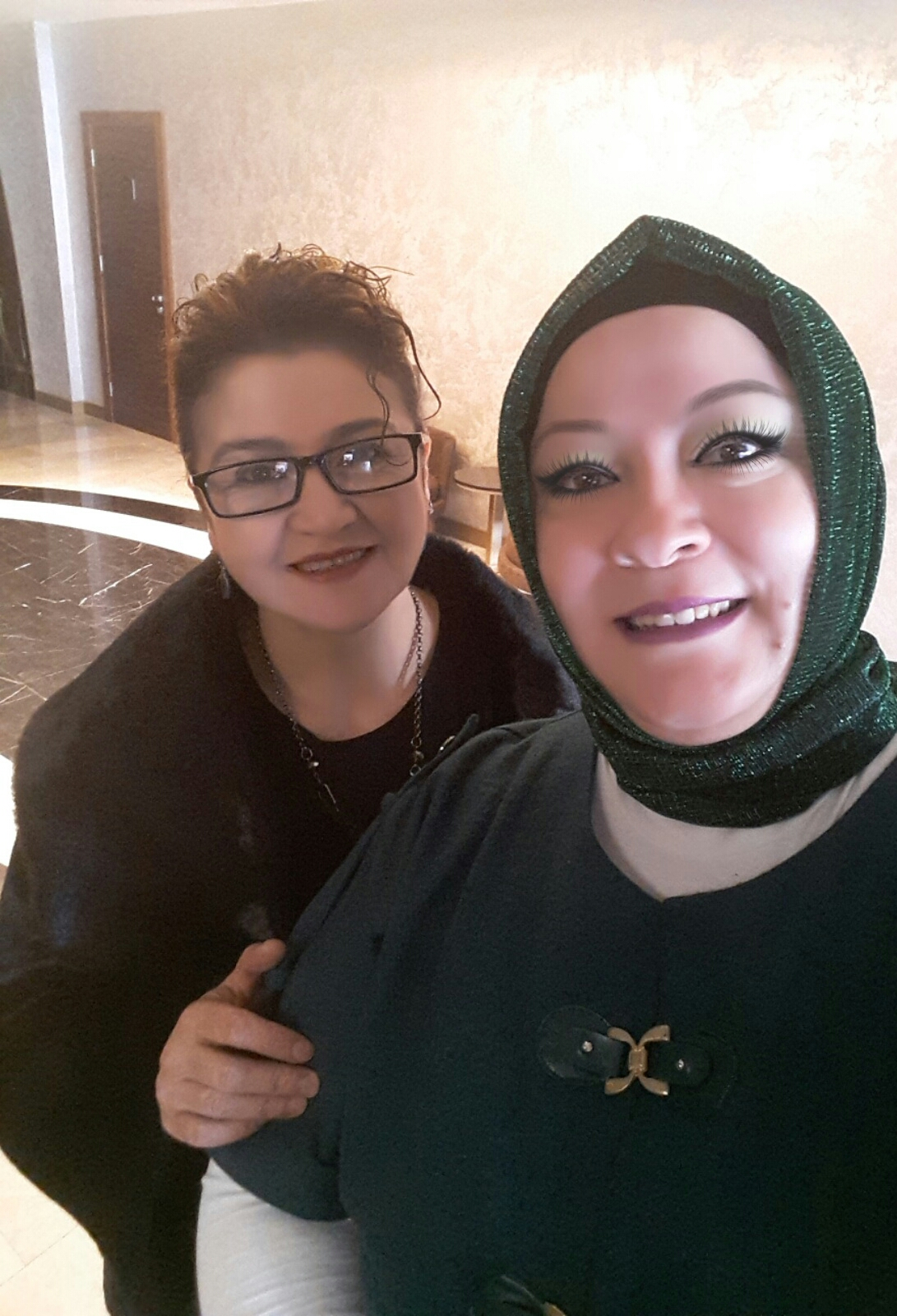 Betül ve Nur Hanımlardan  güzel bir enstantane