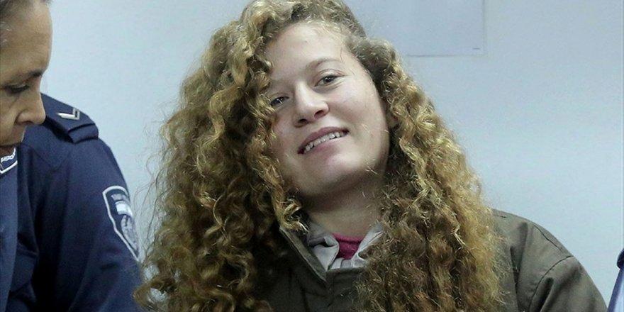 "Filistin Devlet Başkanı Abbas'tan ""Cesur Kız"" Ahed'e Övgü"