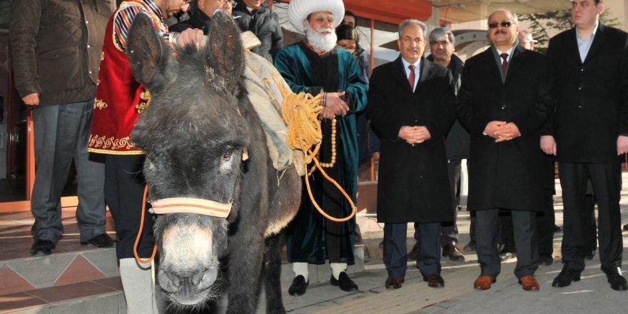 Temsili Nasreddin Hoca, eşekle fuara katılacak