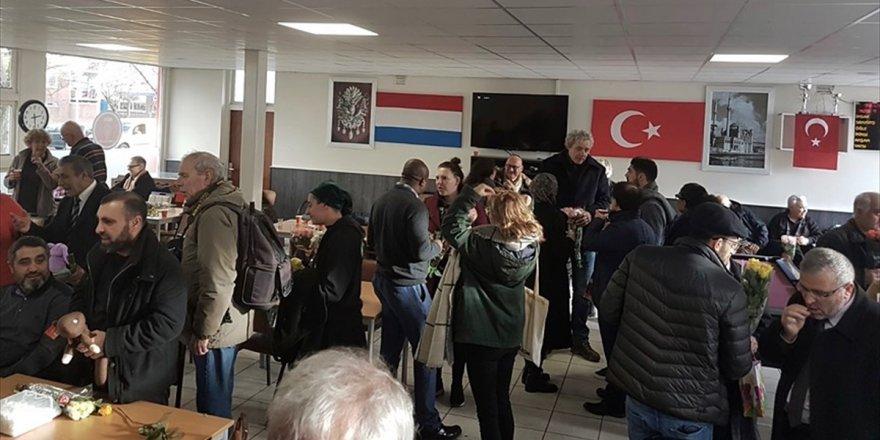 Hollanda'da Saldırıya Uğrayan Camiye Dayanışma Ziyareti