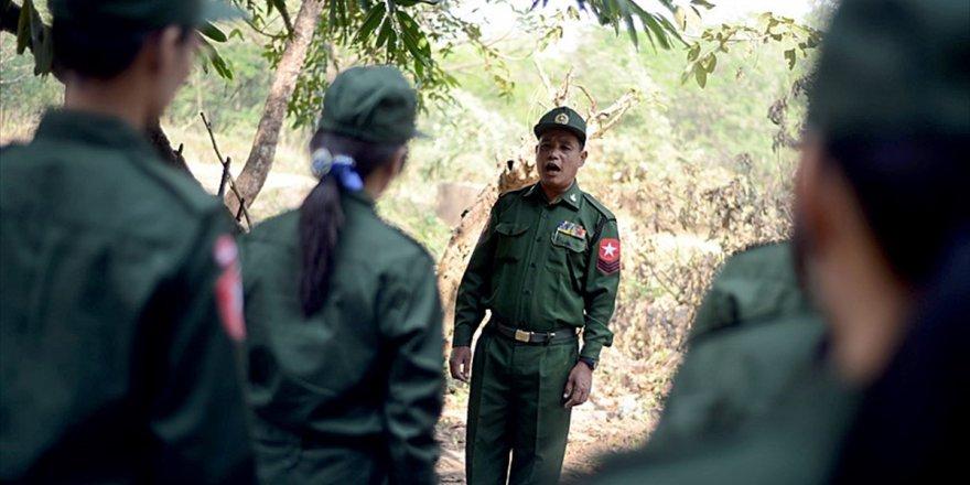 Myanmar'da Sivilleri Öldüren Askerlere Hapis