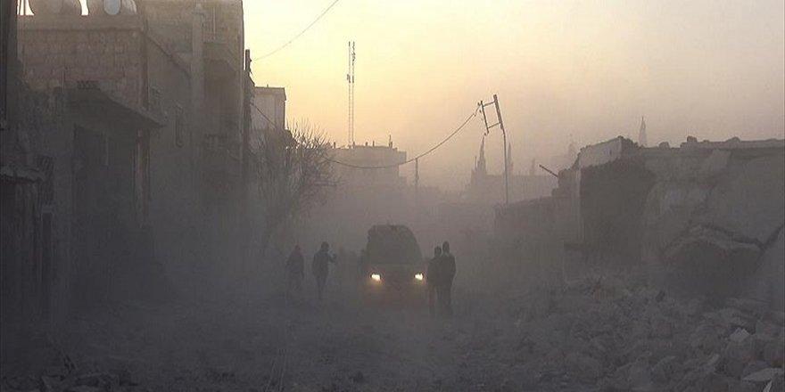 İdlib'de hastane ve okullara saldırı: 10 sivil ölü