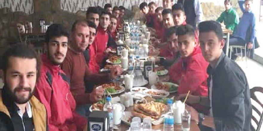 HAVZANSPOR'A FATİH ETLİEKMEK'TEN JEST
