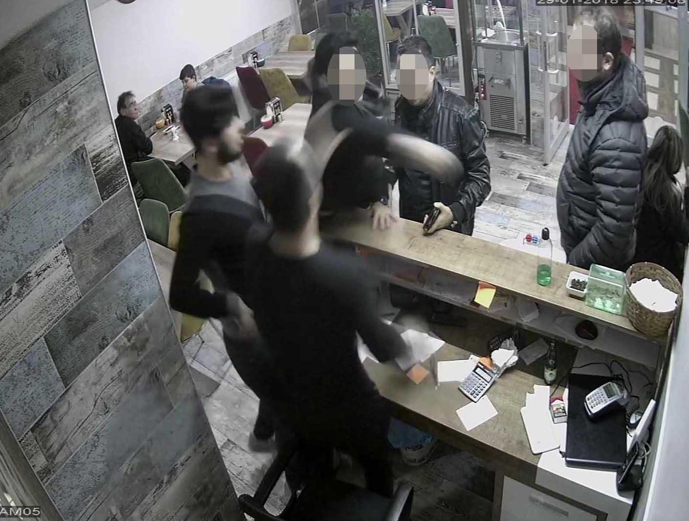 Kokoreççideki dehşettepolisler açığa alındı