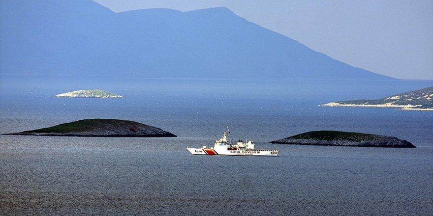 Sahil Güvenlik Ve Deniz Kuvvetlerinden Kardak'ta Önleme Devriyesi