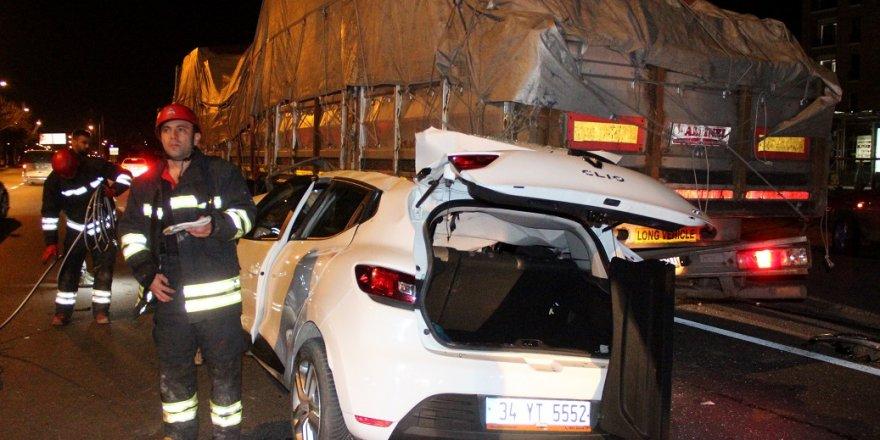 Konya'da Otomobil Tıra Arkadan Çarptı: 4 Yaralı