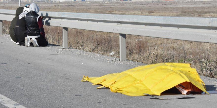 Otomobilin çarptığı yaya öldü; araçtakiler şoka girdi