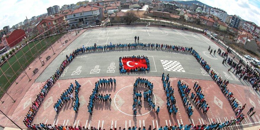 Öğrenci-Ordu el ele, Mehmetçiğe tam destek