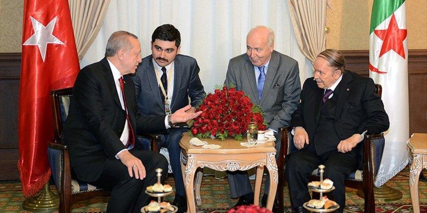 Cumhurbaşkanı Erdoğan, Cezayir Cumhurbaşkanı İle Görüştü