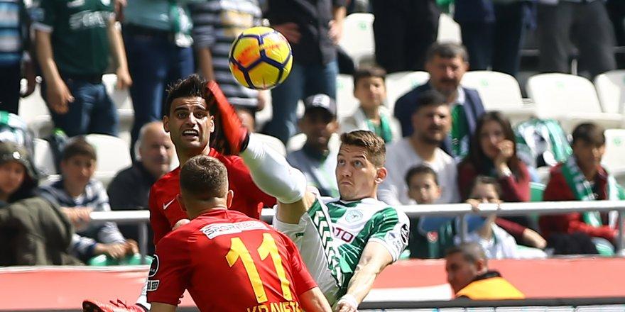 Atiker Konyaspor-Kayserispor: 1-0  (İlk yarı)