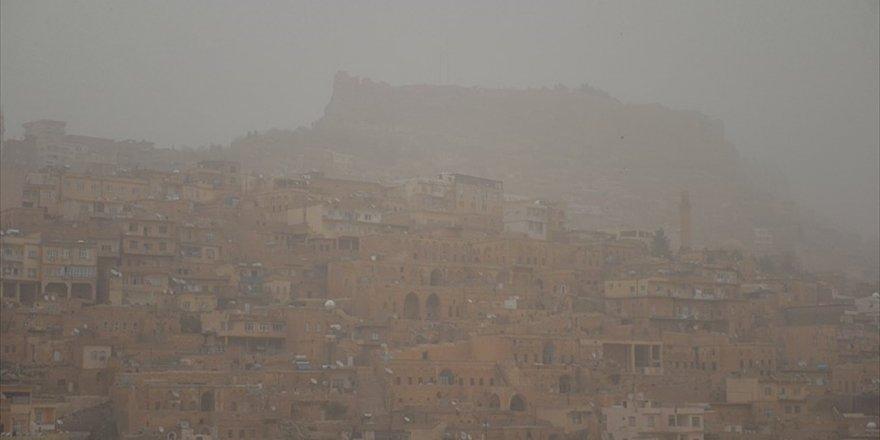 Mardin'de Toz Bulutları Etkili Oluyor
