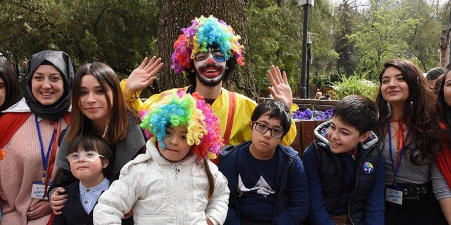 Down Sendromlu Çocuklar Kuğulu Park'ta Eğlendi