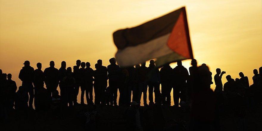'Filistin Esirler Günü'nün 44. Yılında İsrail'in İhlalleri Sürüyor