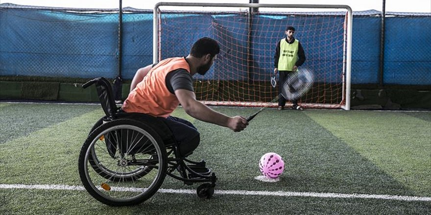 Engelli Kalan Suriyeliler Futbol İle Moral Buluyor