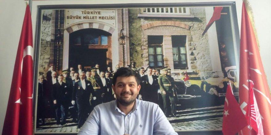 Ahmet Yiğit, CHP'nin en genç ilçe başkanı oldu