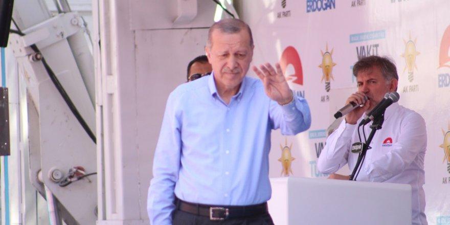 """Cumhurbaşkanı Erdoğan: """"Bu ülkede 16 yıldır terör örgütleri ve onları destekleyenler dışında hiç kimse incitilmemiştir"""""""