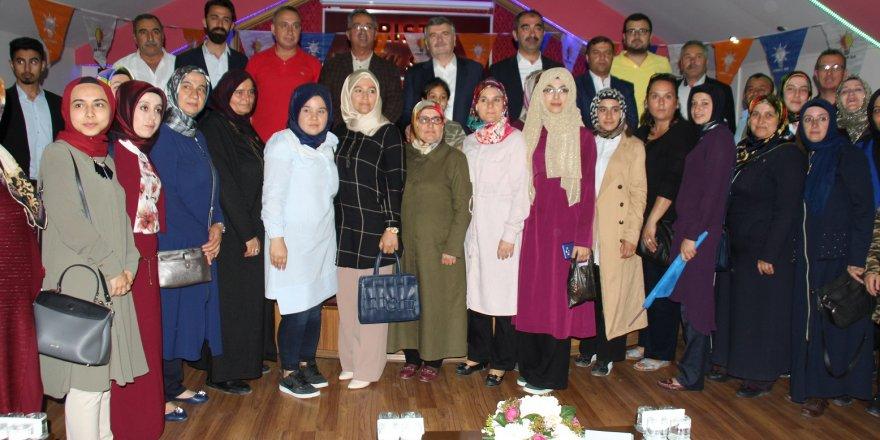 KARATAY'DA MAHALLE BULUŞMALARI DEVAM EDİYOR