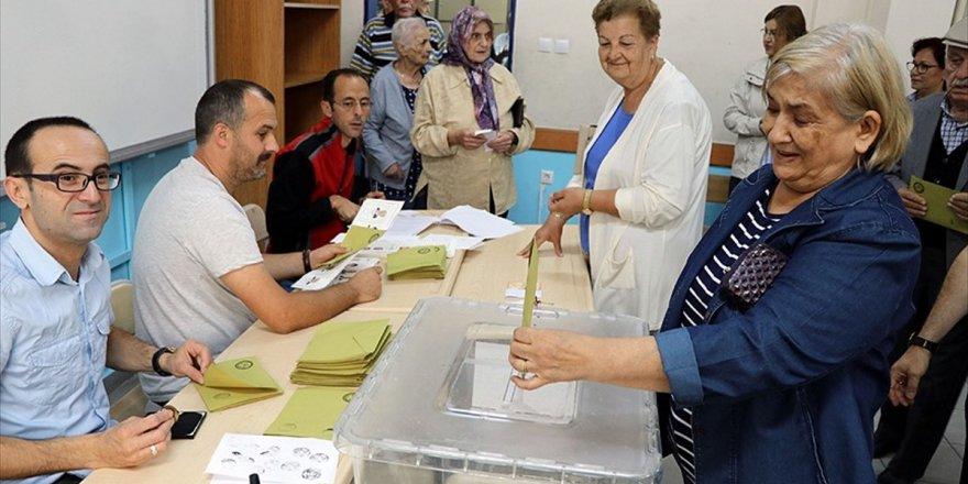 Türkiye Genelinde Oy Verme İşlemi Başladı