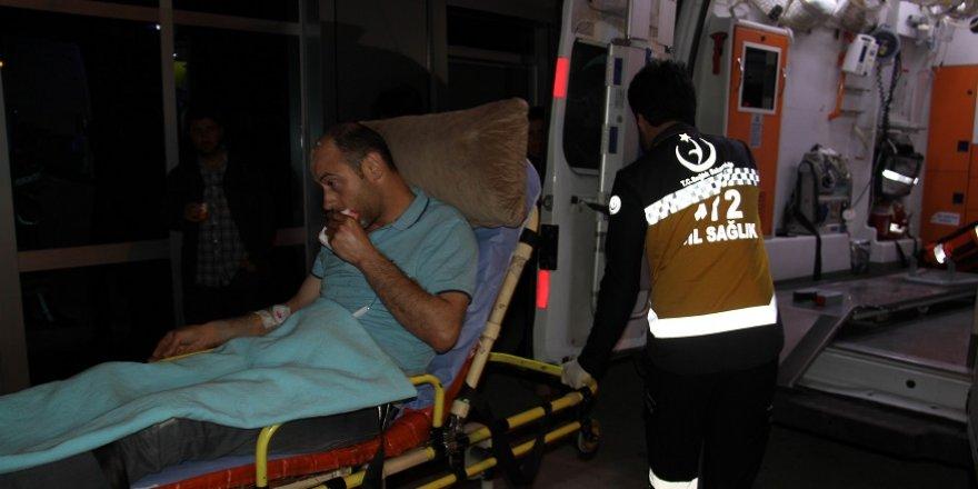 Düğünde av tüfeğinden çıkan saçmalara hedef olan 2 kişi yaralandı