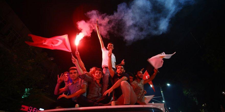 Erdoğan'ın Seçim Başarısı Konya'da Kutlandı