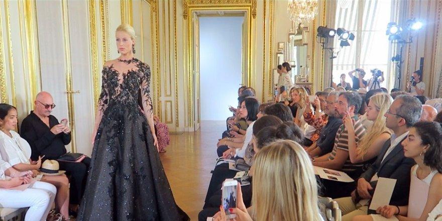 Paris Haute Couture Moda Haftası'ndan renkli görüntüler