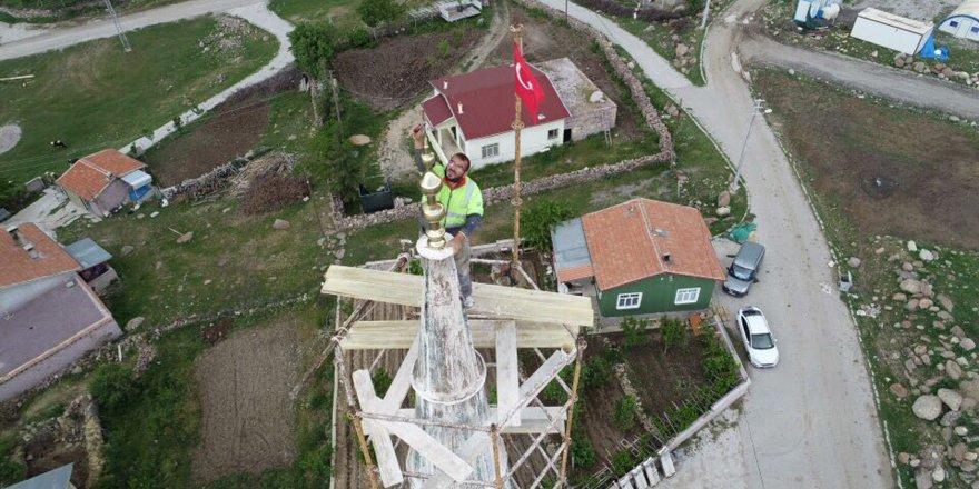 Minare Ustaları Yüksekliğe Meydan Okuyor